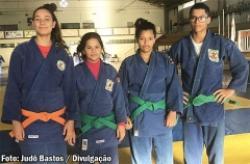 Judocas de Bastos conquistam medalhas nos 35º Jogos Abertos da Juventude de Assis