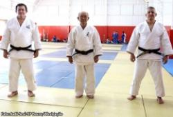Uichiro Umakakeba e Max Trombini participam de treino no Judô do Sesi-SP Bauru